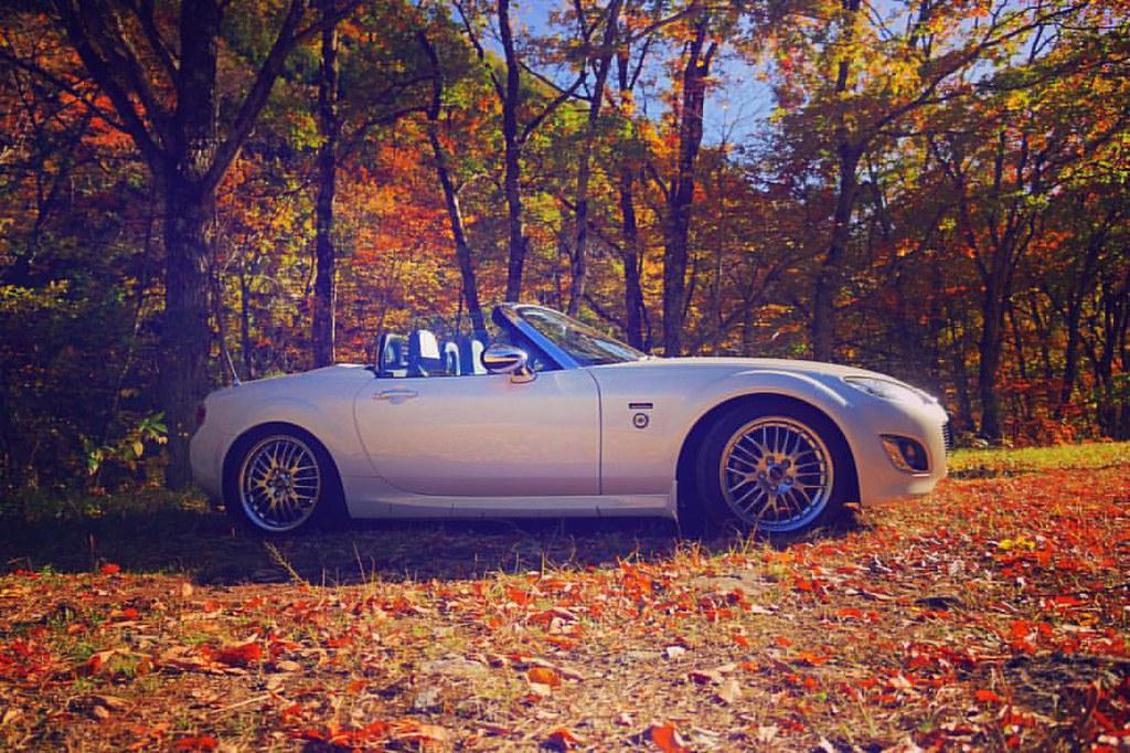 """Autumn。 #mx5 #miata #mazda #lovecars #zoomzoom #jinbaittai #miatalife #miatagram #mx5life #mx5graphy #cars #japan #Autumn #season #tree #leaves #orange"" by R26B is licensed under CC BY-NC-ND 2.0"